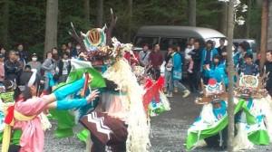 1日限りで特別披露された臼澤鹿子踊り