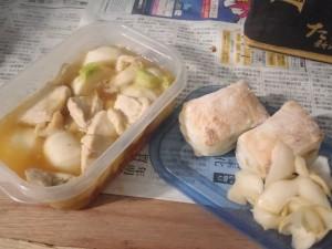 鶏肉とカブの煮物、豆餅とカブ浅漬け画像