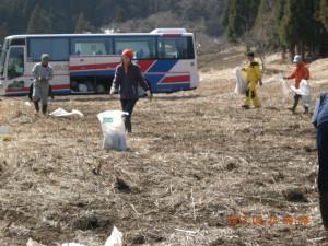 堆肥撒き作業